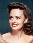 donna_reed_opera_glasses