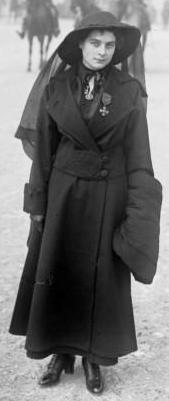 Émilienne_Moreau_1915